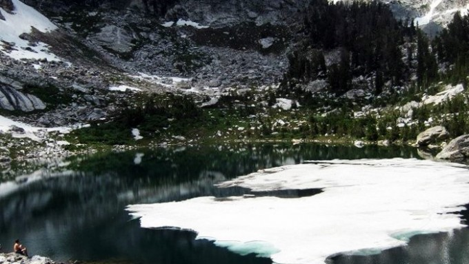 trekking yellowstone